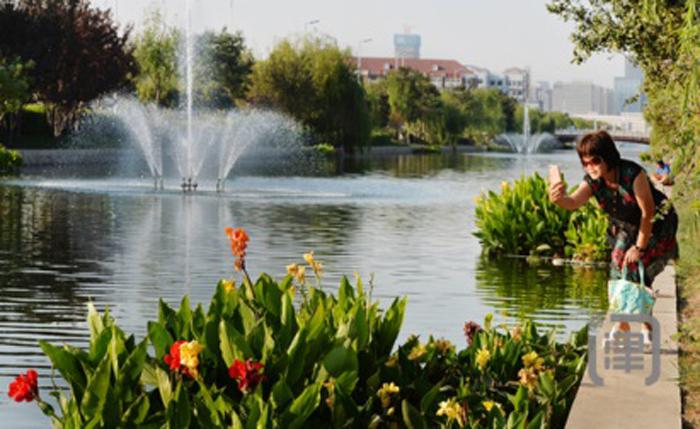 人、水、景和谐相处